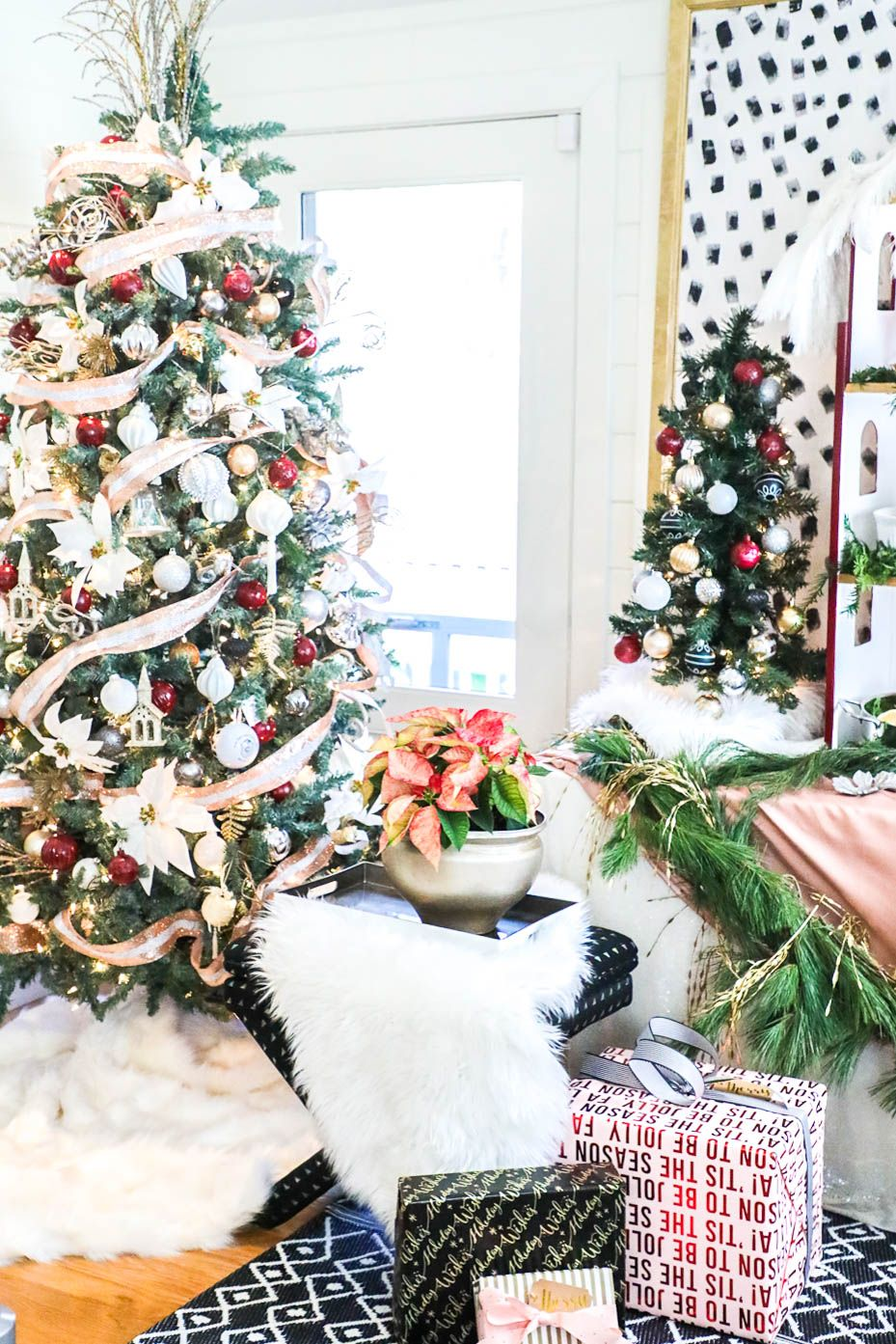 You have got to see this Holiday Party! Jeweled Interiors Holiday ...