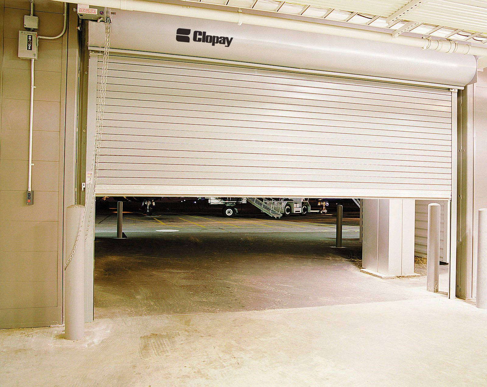 Top 11 Garage Issues And Solutions A Click Away Blog Garage Doors Roll Up Garage Door Garage Door Rollers