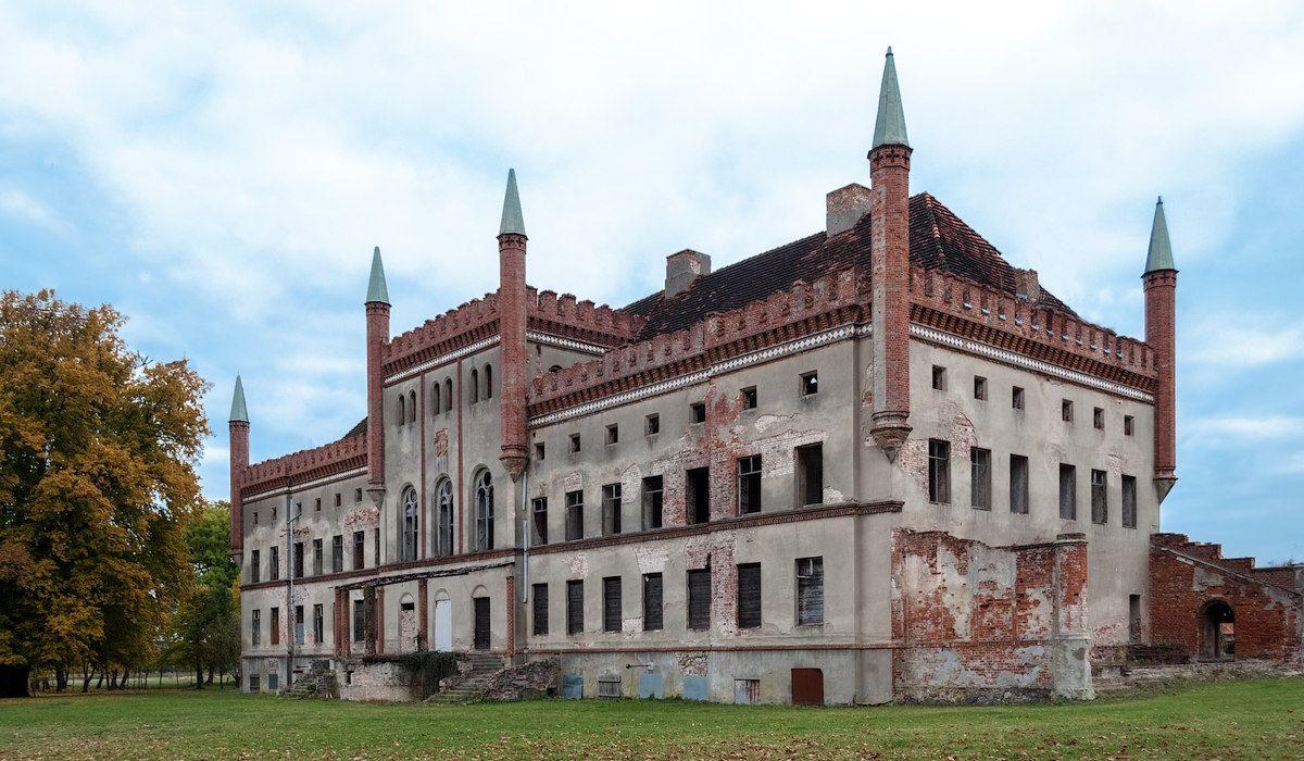 Das ruinöse Herrenhaus in Broock (Vorpommern Greifswald