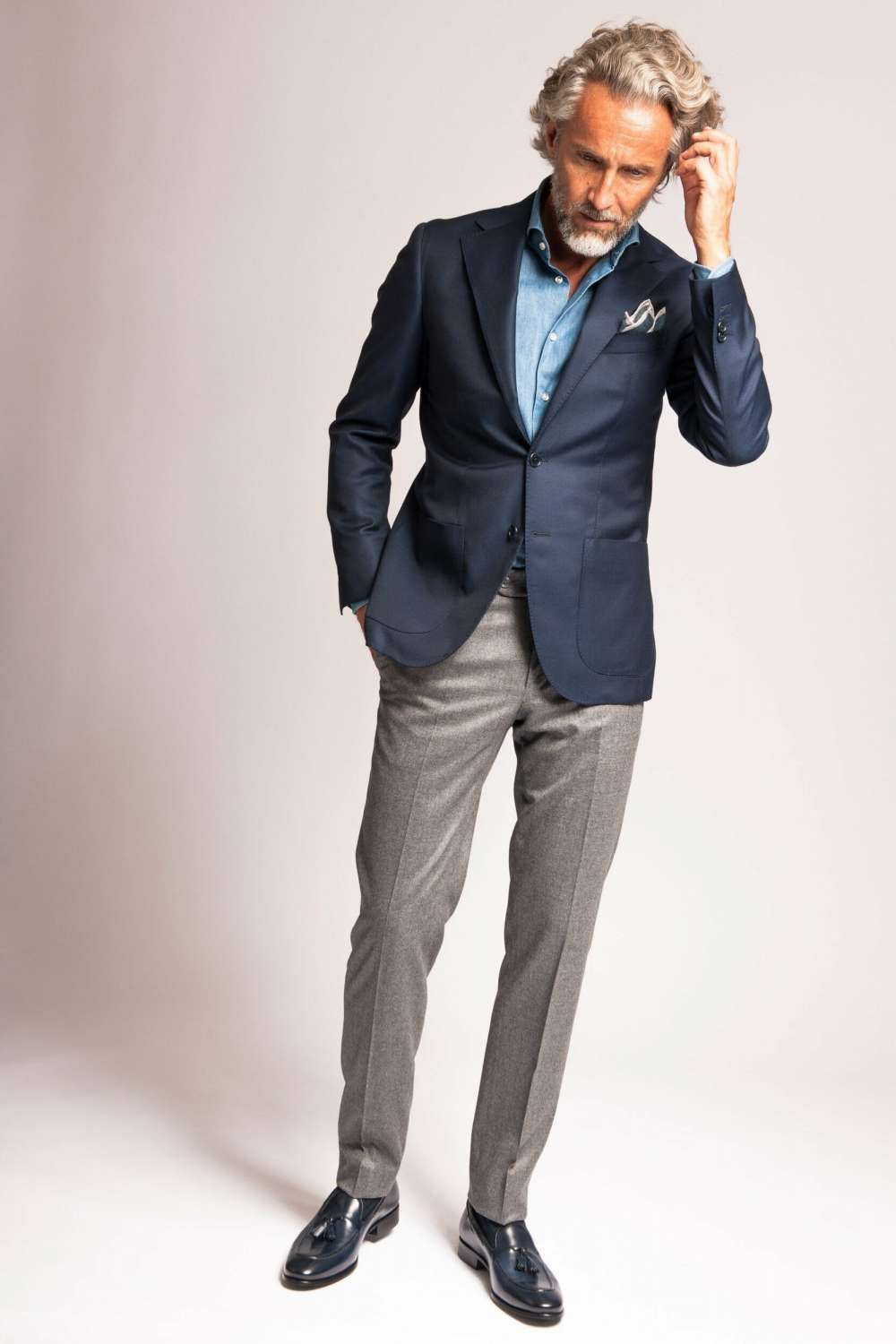 Light blue blazer pants with what color What to