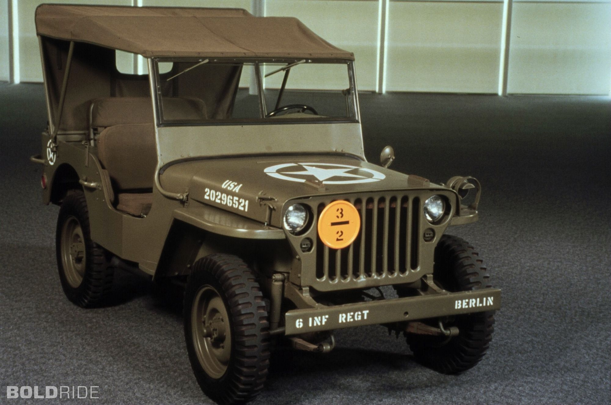 Vintage 1943 jeep willys mb