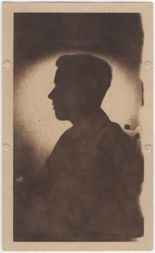 Sharply-silhouetted-young-man-1928