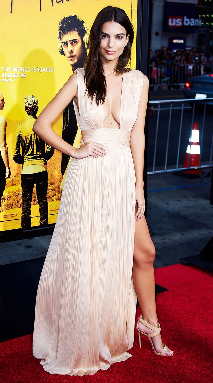 How Emily Ratajkowski Always Looks Amazing, According to Her Stylist How Emily Ratajkowski Always Looks Amazing, According to Her Stylist new images