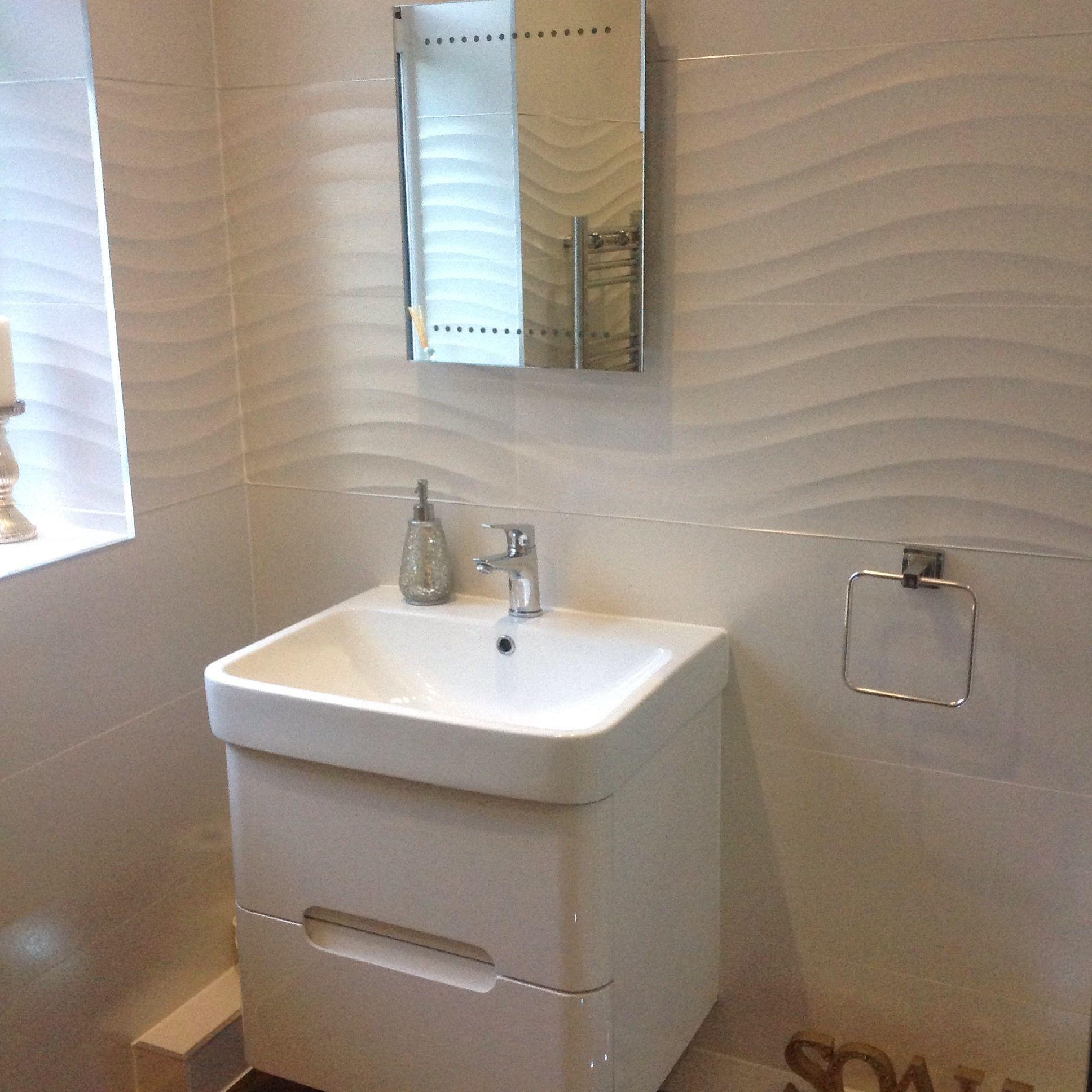 Image Idee Salle De Bain De The Cornwall Tile Co Du Tableau Porcelanosa Tiles Idees Salle De Bain Salle De Bain
