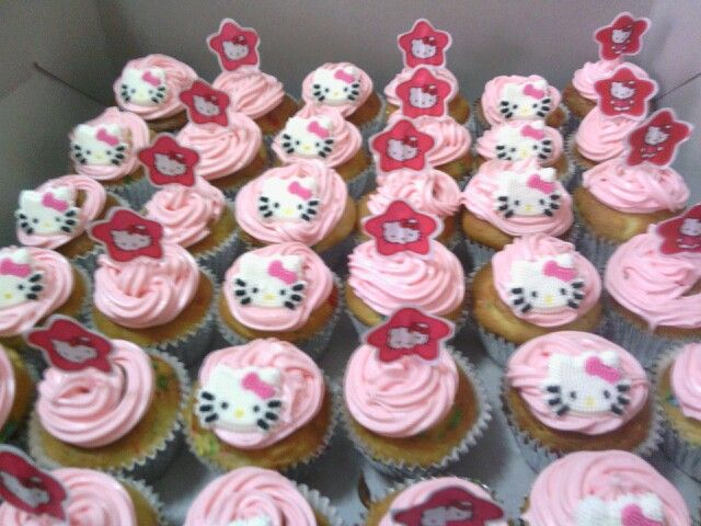 Kristalynas bday cupcakes