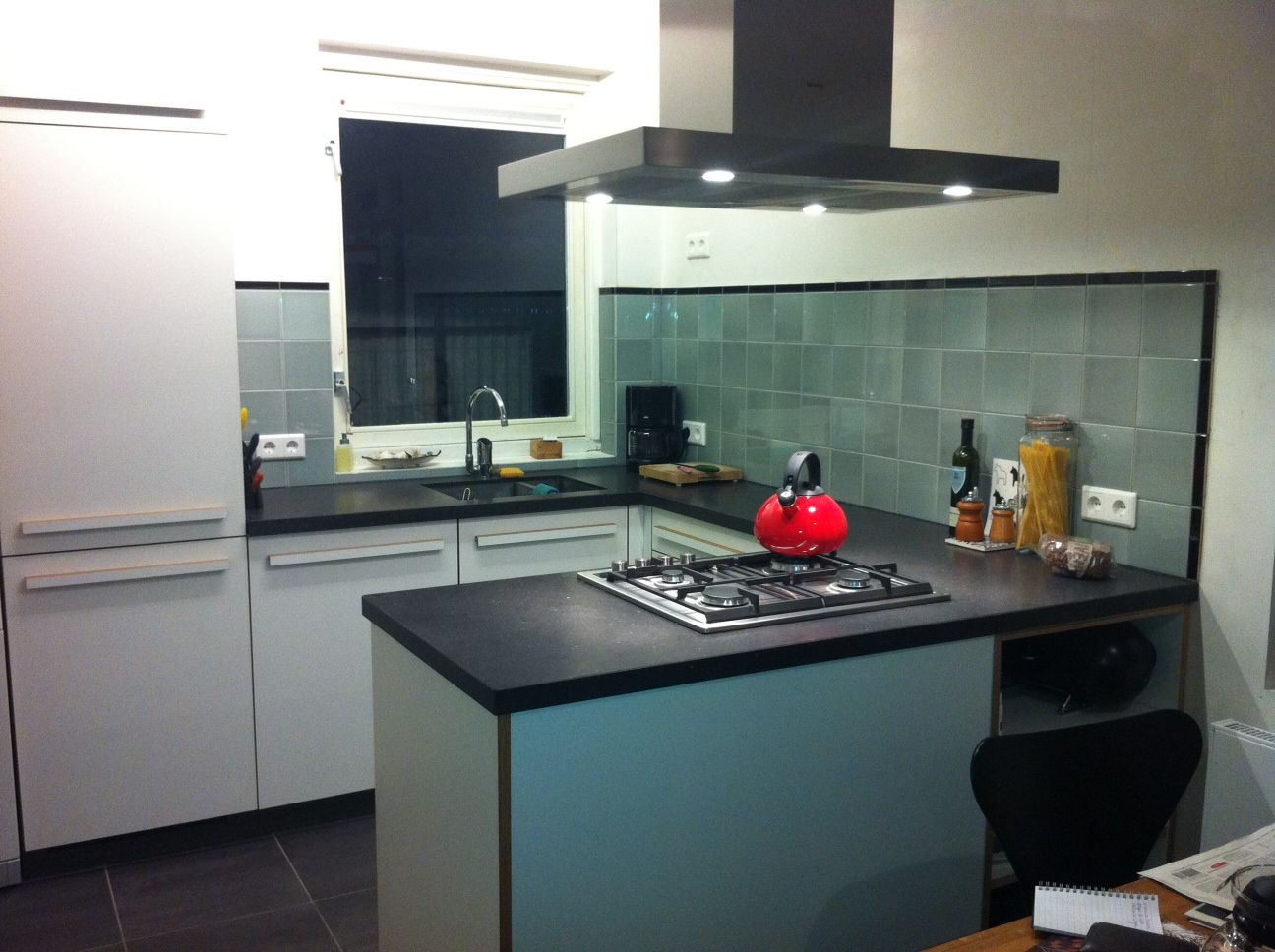 Groene Wandtegels Keuken : Wandtegels piet zwart keuken tinglazuur mooie nuances