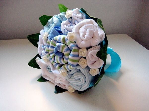 Baby boy clothes bouquet baby-spaces