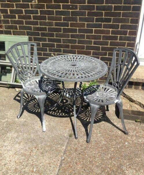 Garden table with two chairs --------------------- £45 (pc432)