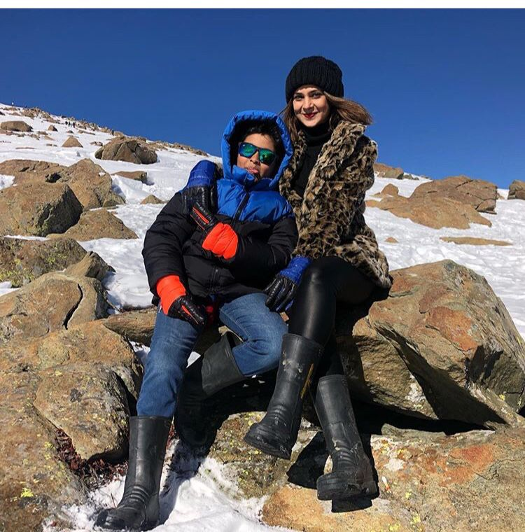 Jennifer Winget Vacation Pictures From Winter Wonderland Kashmir Are No Less Than A Dream Hungryboo Jennifer Winget Jennifer Winget Beyhadh Jennifer