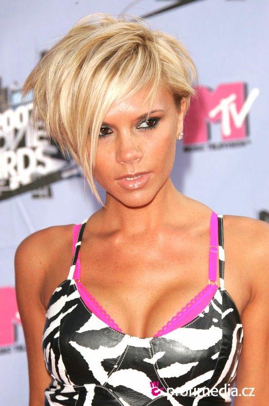 victoria+beckham+hair+cut+short+hairstyle+blonde+stacked+layers.jpg 553×836 pixels