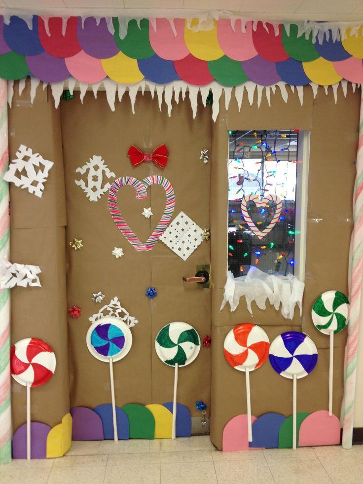 Gingerbread door decorating ideas gingerbread house for Man door design