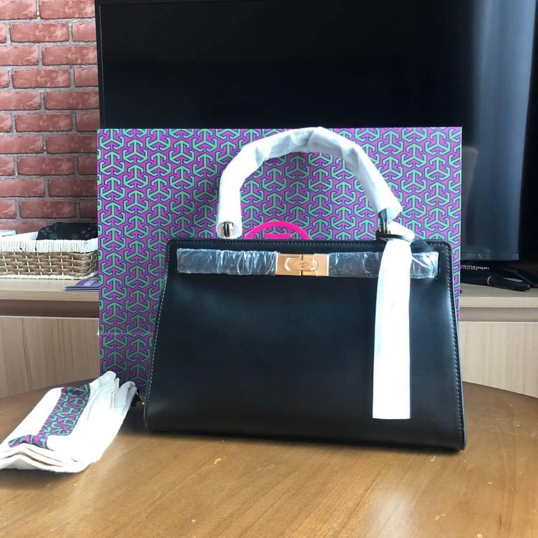 👜READY STOCK 😘 👉Rm750 only 😊 kindly DM or WA 0105469641  to order (sis Wina) . #original#outlet#bagbranded#bagmurah#bagslover#accessories#love#photooftheday#wedding#birthday#travel#engagementrings#bride#dress#handbag#backpack#wallet#watch#sabah#sarawak#brunei#malaysia#putrajaya#emasmurah#jewellery#sales#fashion#cakes#readystockAC4u