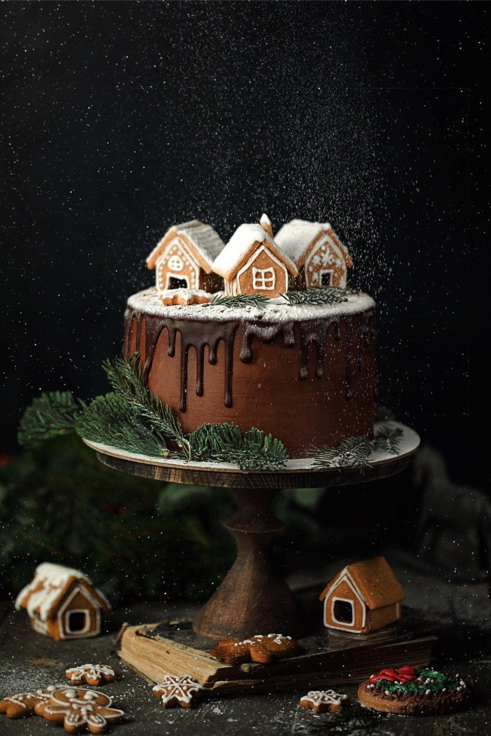 Would be cute to make the Ingalls cabin. #gingerbreadhouseideas