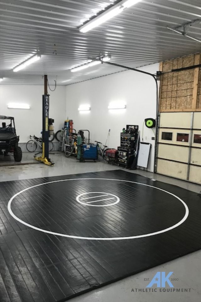 """Wrestling Room Design: 12' X 12' X 1 3/8"""" Roll-Up Wrestling Mat In 2020 (With"""