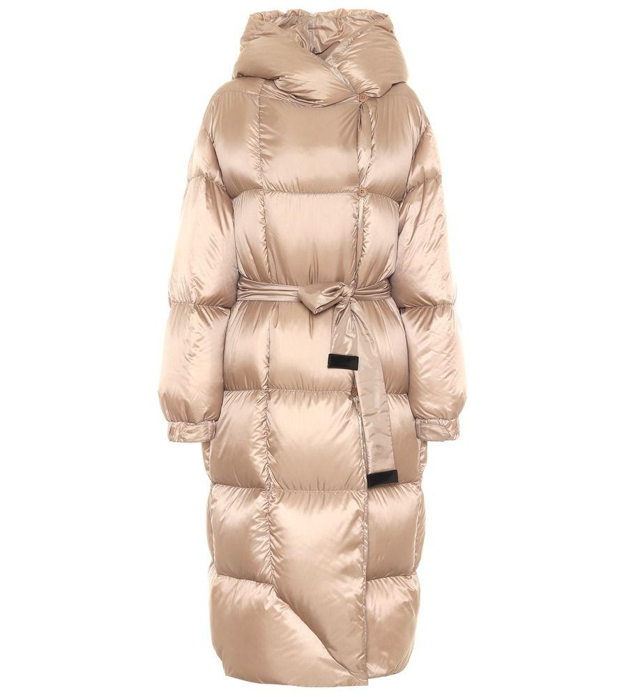 Max Mara Seico Down Puffer Coat Puffy Coats Just Got Puffier Thanks To Max Mara S Seico Design This Down Puffer Coat Down Puffer Coat Puffer Jacket Women [ 1000 x 885 Pixel ]