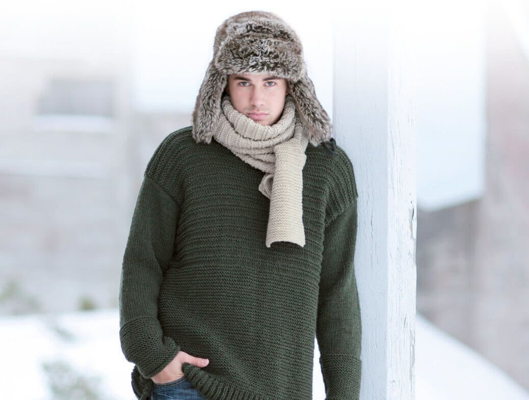 Herrenpullover und Schal mit Struktur-Muster