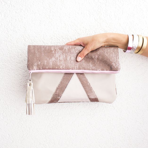 Clutches Rose Gold Sequins Metallic Leather Clutch Wedding A Unique Product By Gmaloudesigns On Dawanda Embrague Nupcial Mujer Rosa Cartera Tipo Sobre