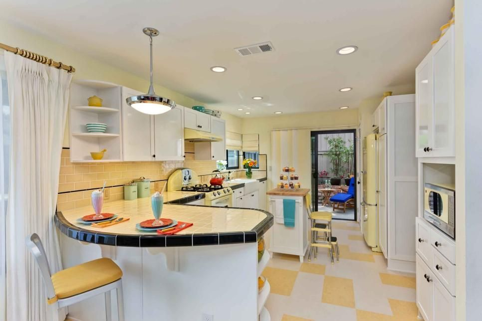 The Homeowner Wanted A Retro Kitchen With Modern Conveniences And Adorable Kitchen Designers San Diego Decorating Inspiration
