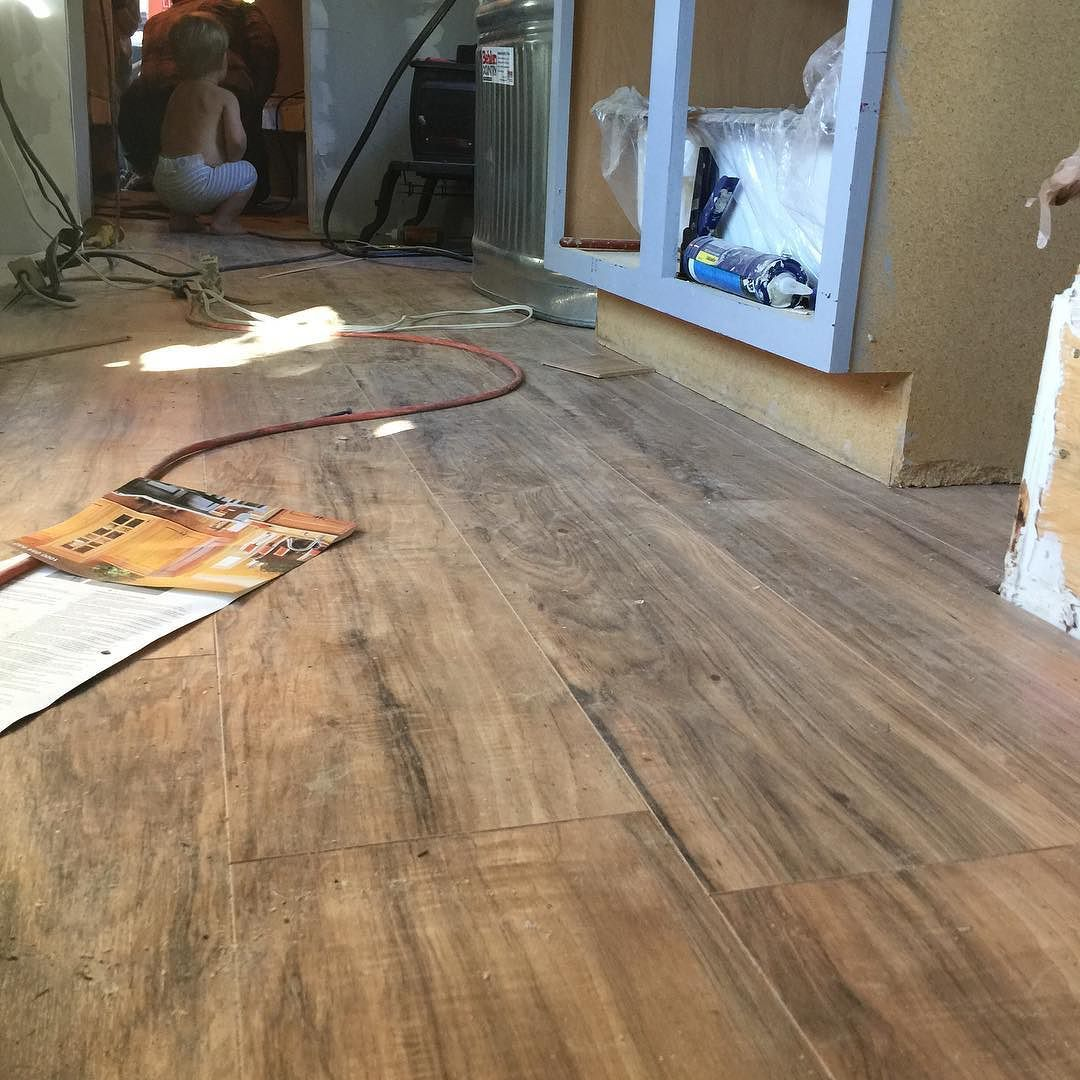 Hand Scraped Lakeshore Pecan Glueless Laminate Flooring By
