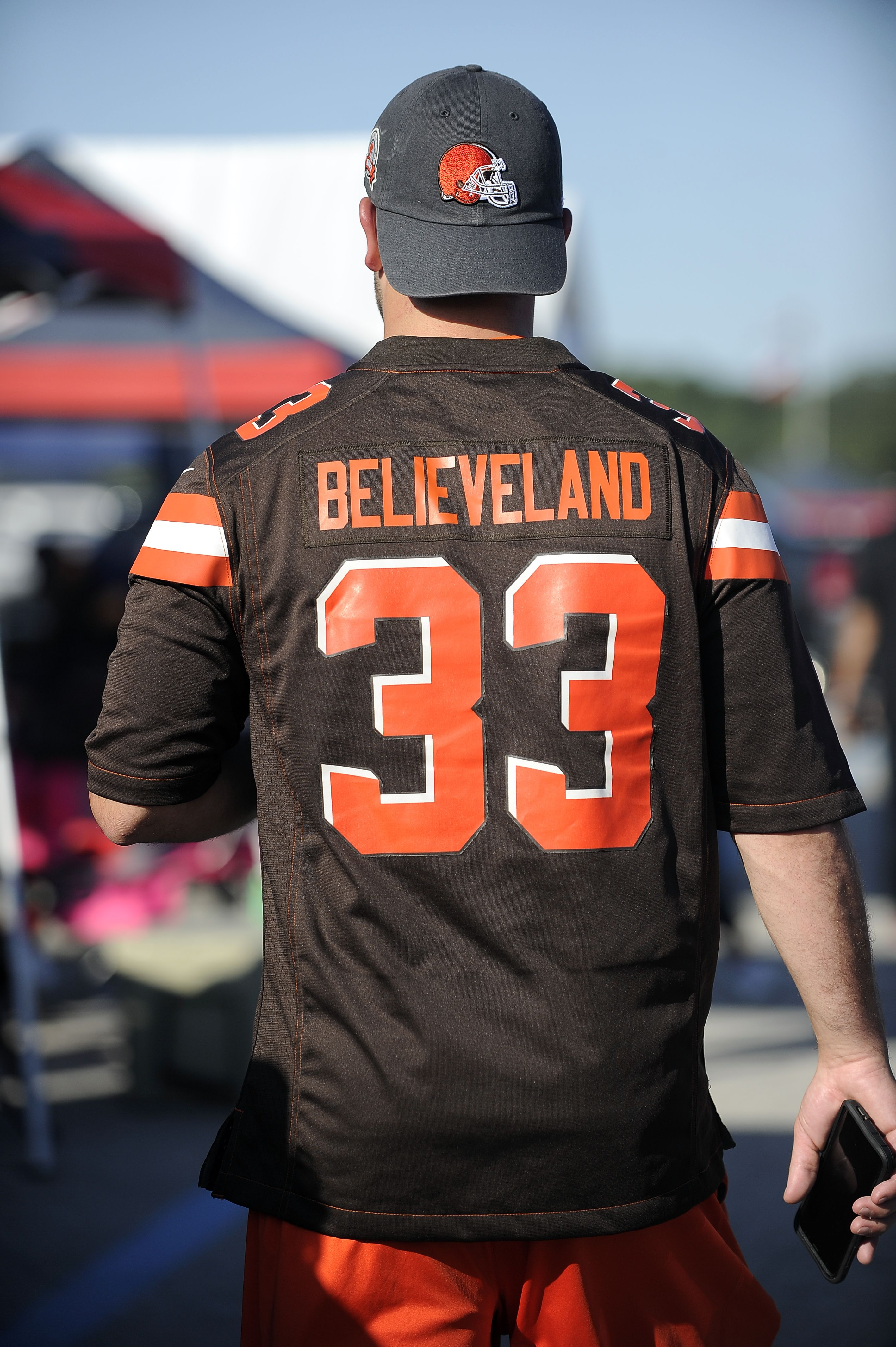 Browns fans know how to dress in NFLFanStyle for gameday