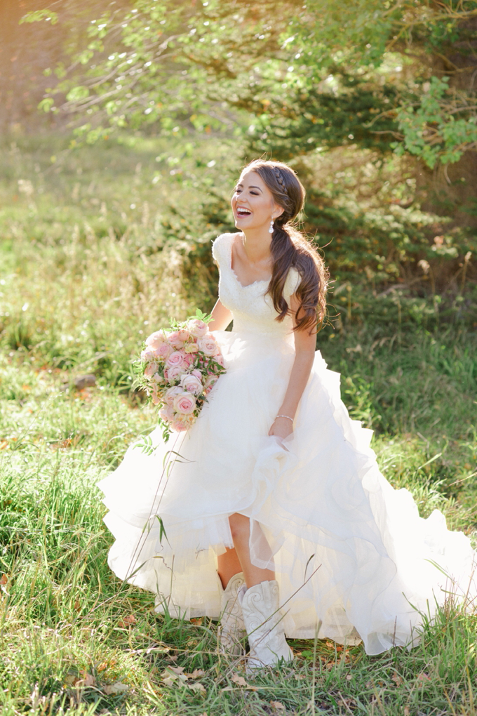 Western Wedding Dresses with Cowboy Boots