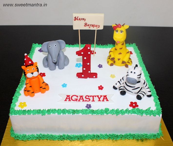 Animals theme customized designer fresh cream sheet cake with 3D