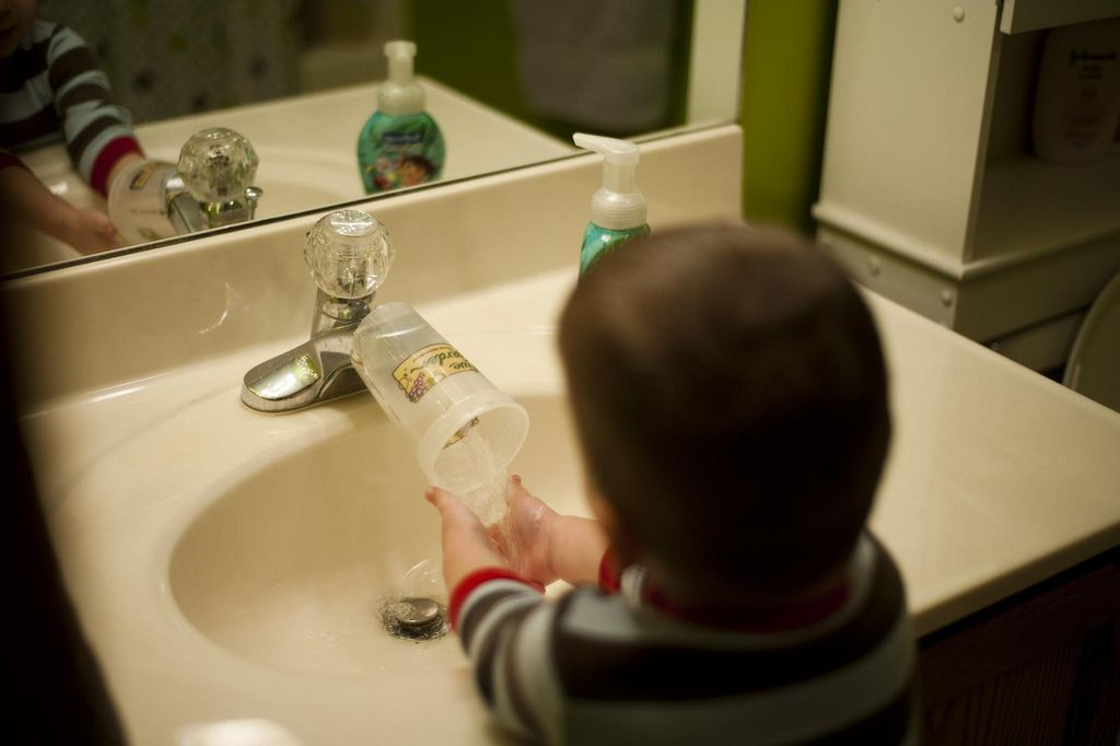 Diy Faucet Extender I Did This With An Empty Baby Wash Bottle
