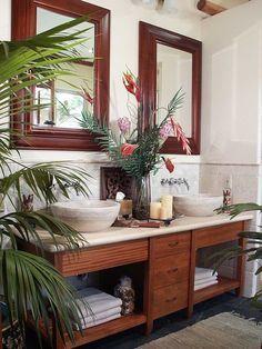 British Colonial Bathroom