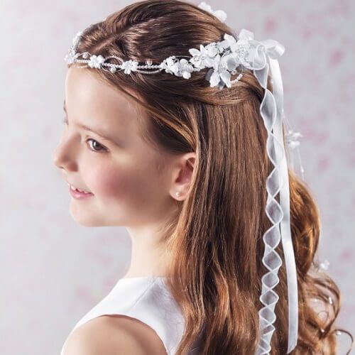 First Communion Hair I Like The Wavy Half Up Do First Communion Hairstyles Communion Hairstyles Communion Hair Pieces
