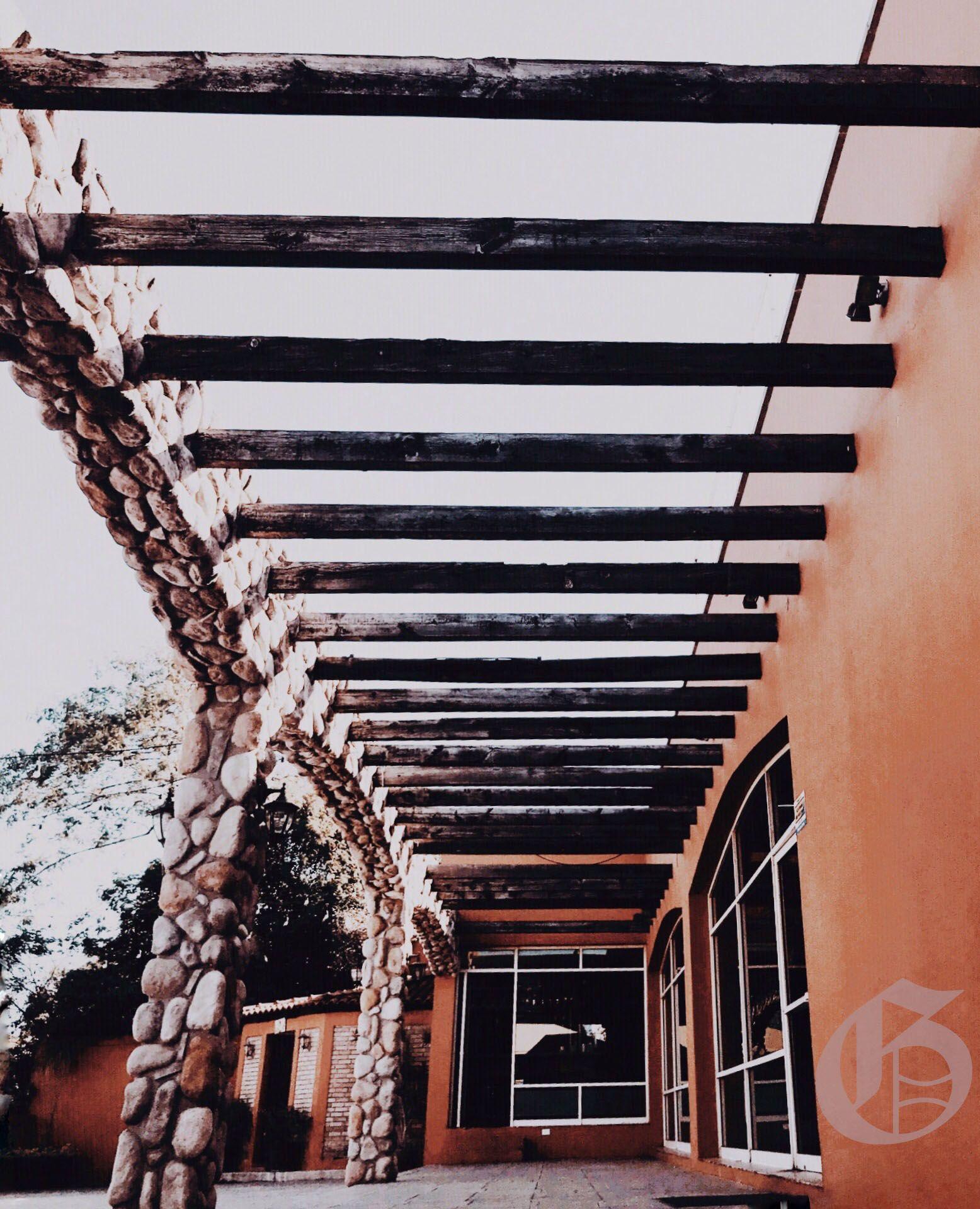 El Diseño De Nuestra Terraza Le Da Un Toque Muy Rómantico A