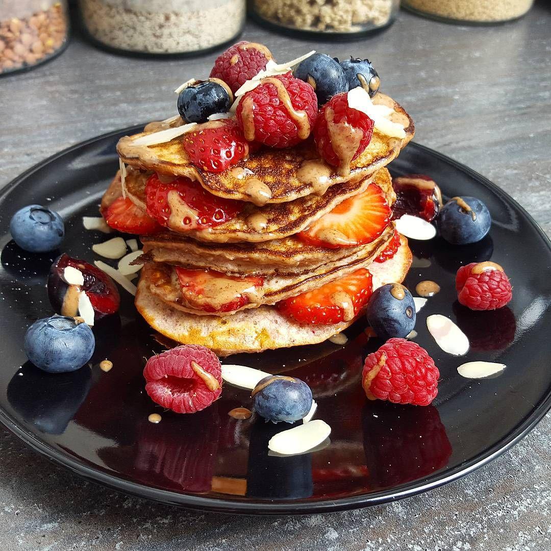 """""""Nach seeehr langer Zeit endlich mal wieder Pancake Sunday  #highcarb #pancakes #proteinpancakes #latergram #breakfast #healthybreakfast #healthyme…"""""""
