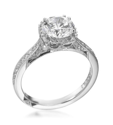 Tacori- Dantela Platinum & Diamond Ring Mounting...... Okay, never have I ever re-pinned a wedding ring, but this is absolutely gorgeous.