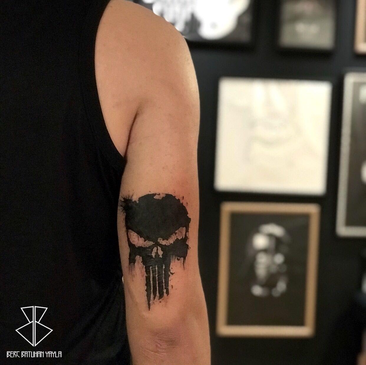 Punisher Tattoo Design Erkek Man Dovme Sag Arka Kol Antalya Turkey Dovme 13 Dovmeleri Punisher
