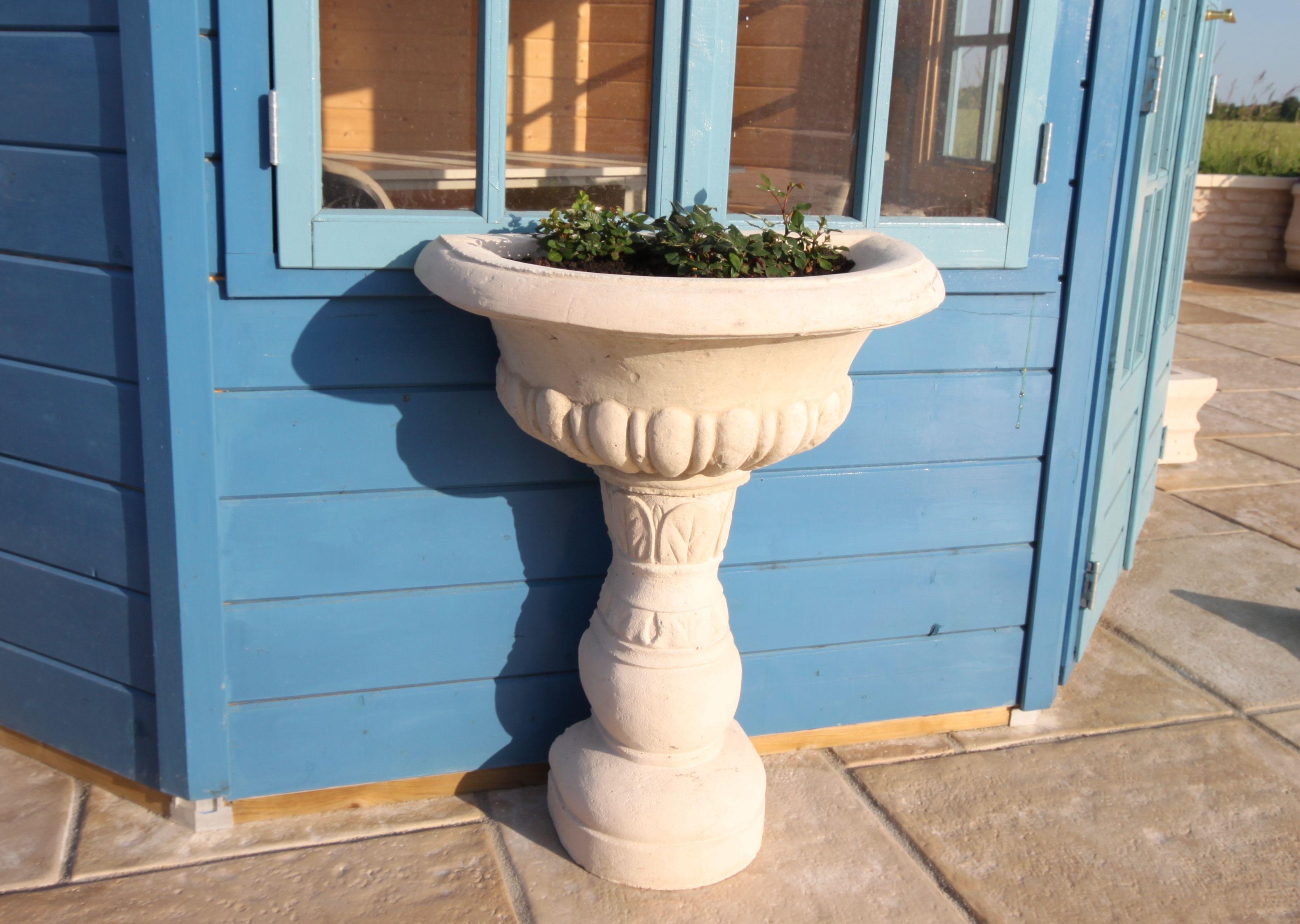 best vasque jardin pierre reconstituee contemporary awesome interior home satellite. Black Bedroom Furniture Sets. Home Design Ideas