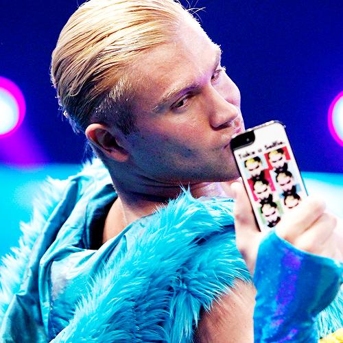 The Selfie Taking King Tyler Breeze Aka Prince Pretty Tyler Breeze Professional Wrestlers Pro Wrestling