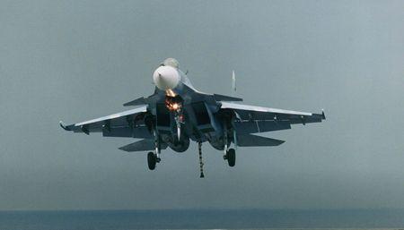 Покоритель всех стихий: морской истребитель Су-33 превзошел свой сухопутный прообраз - Телеканал «Звезда»
