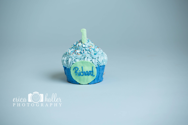 Blue cupcake cake