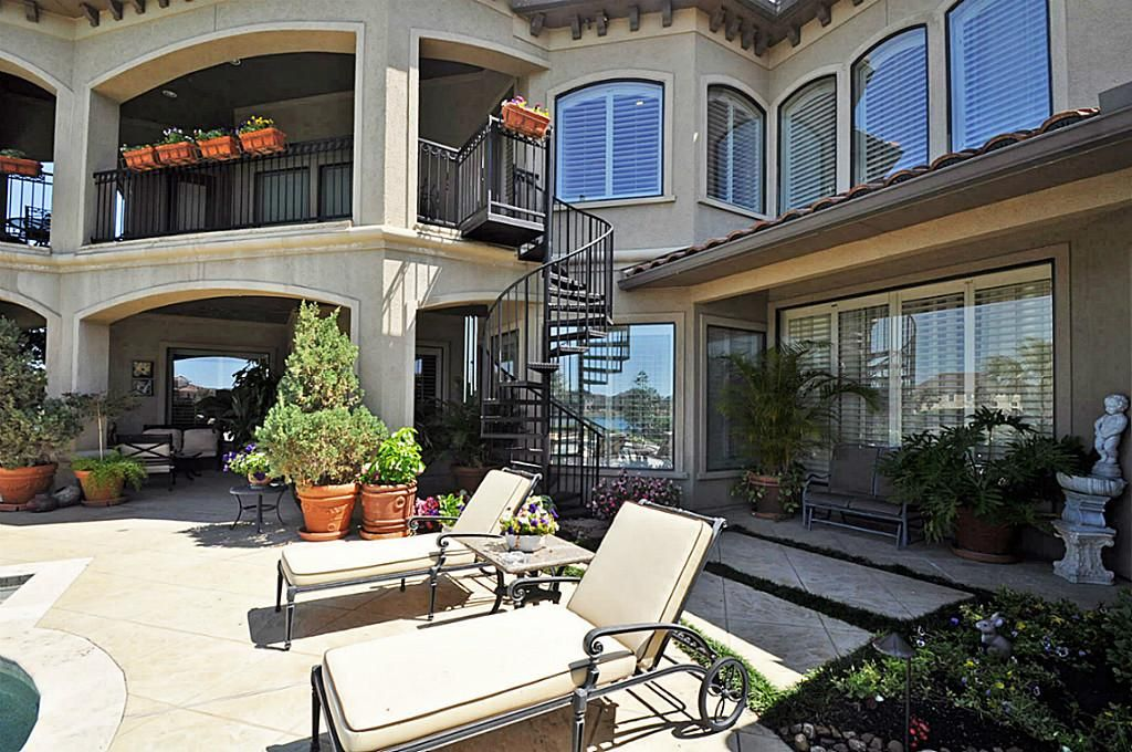 Best Balcony With Spiral Stairs Leading To Pool Covered Patio 400 x 300
