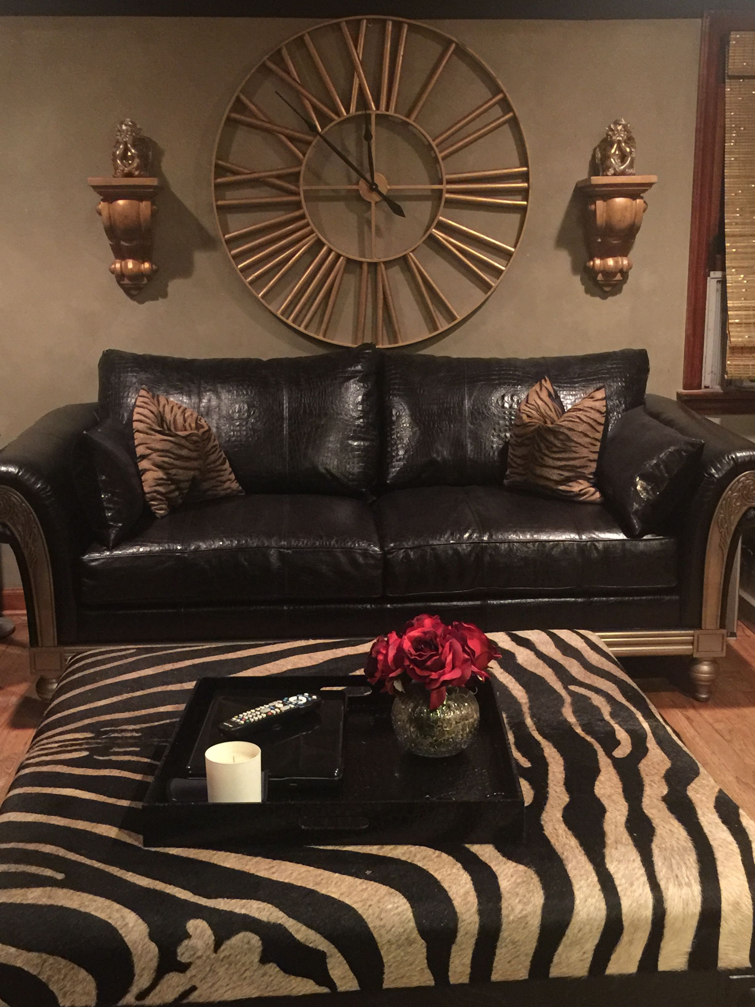 Baby jasper bed brackets - Gold Clock Wall Brackets With Sitting Angels Sofa In Jasper Black Leather With Silver