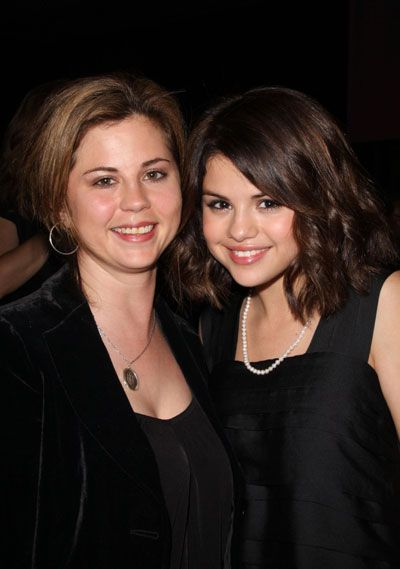 selena gomez and mom photos | Selena Gomez had a very special reason to give thanks this ...