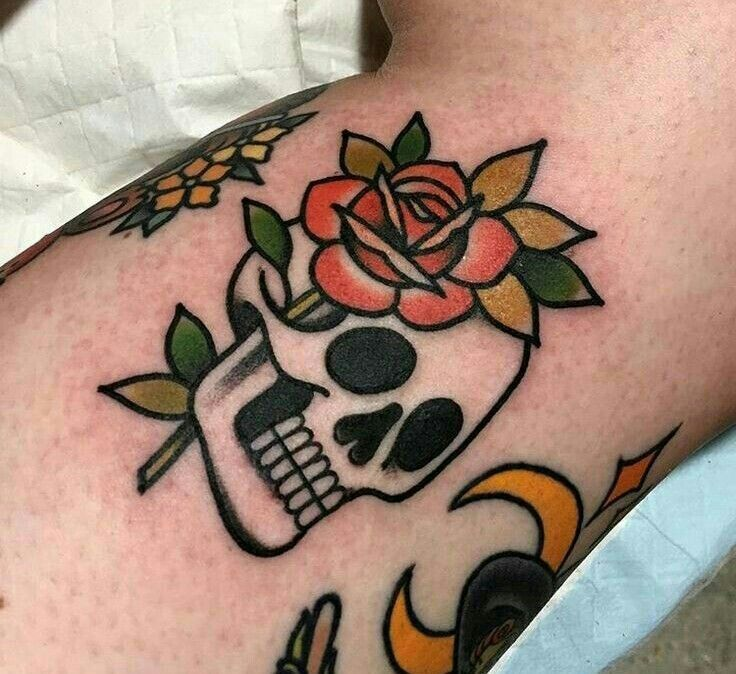 Primitive Old School Skull and Rose Tattoo # OldSchoolSkull #Primitive #rose #tattoo #und