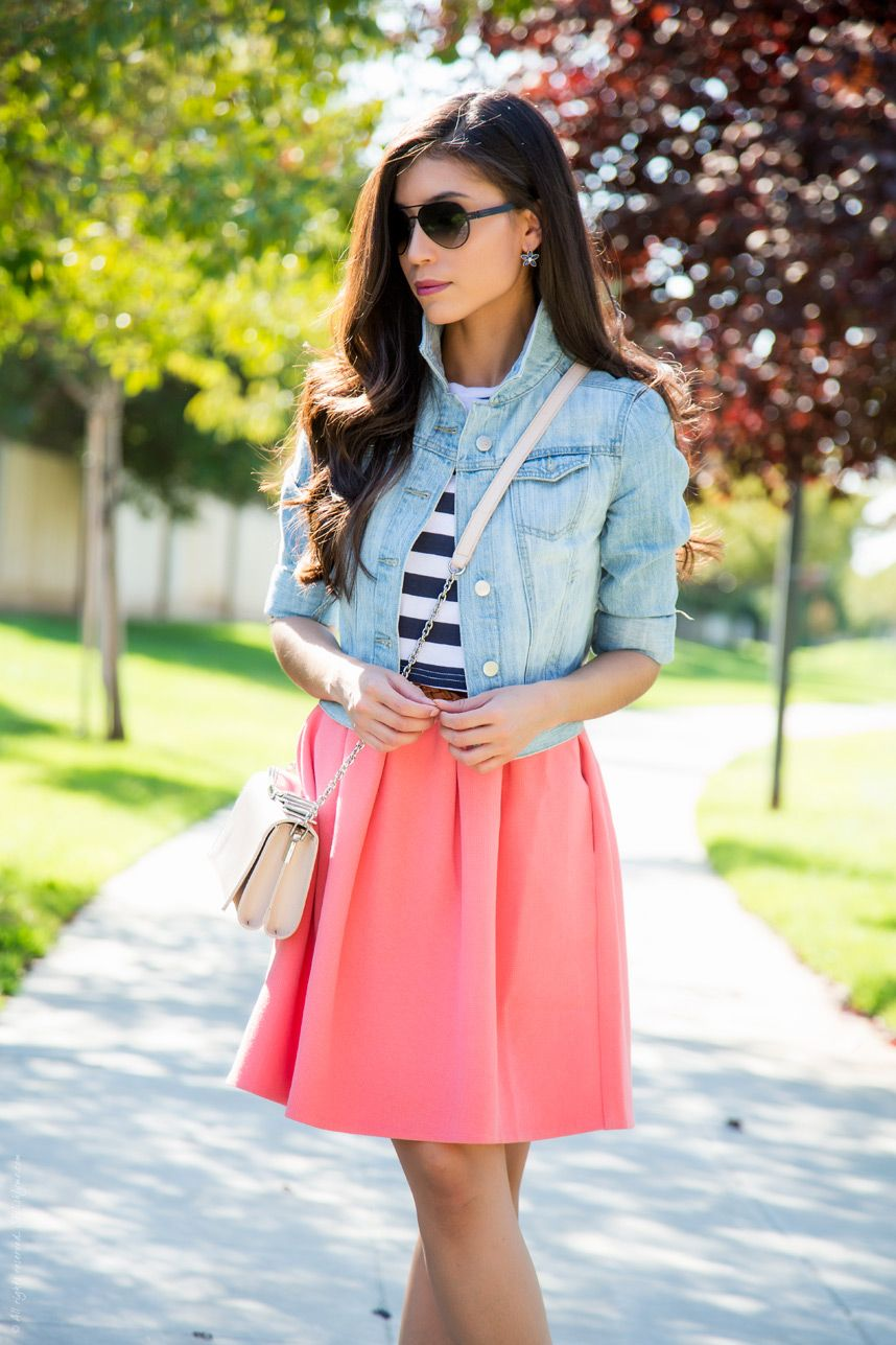Light wash Denim jacket - Pink and Blue Summer Outfit  - Visit Stylishlyme.com for more outfit inspiration and style tips