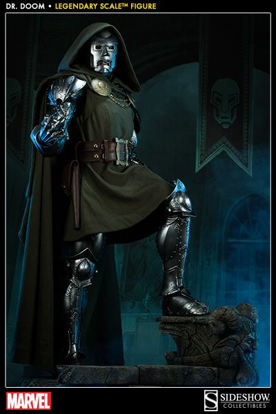 Marvel Doctor Doom Legendary Scale(TM) Figure by Sideshow Co | Sideshow Collectibles