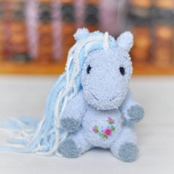 Mini amigurumi Unicorn Crocheted Unicorn Miniature Toy Blythe animal friend Dollhouse accessories Miniature Plush Unicorn toy Photo prop #dollhouseaccessories