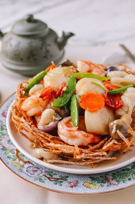 Chinese Seafood Bird Nest Banquet Dish #chinesemeals