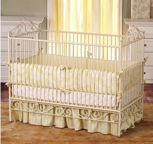 Casablanca Premiere Cot-Antique White £940 http://www.mumsaid.co.uk/product_details.asp?id=12041#