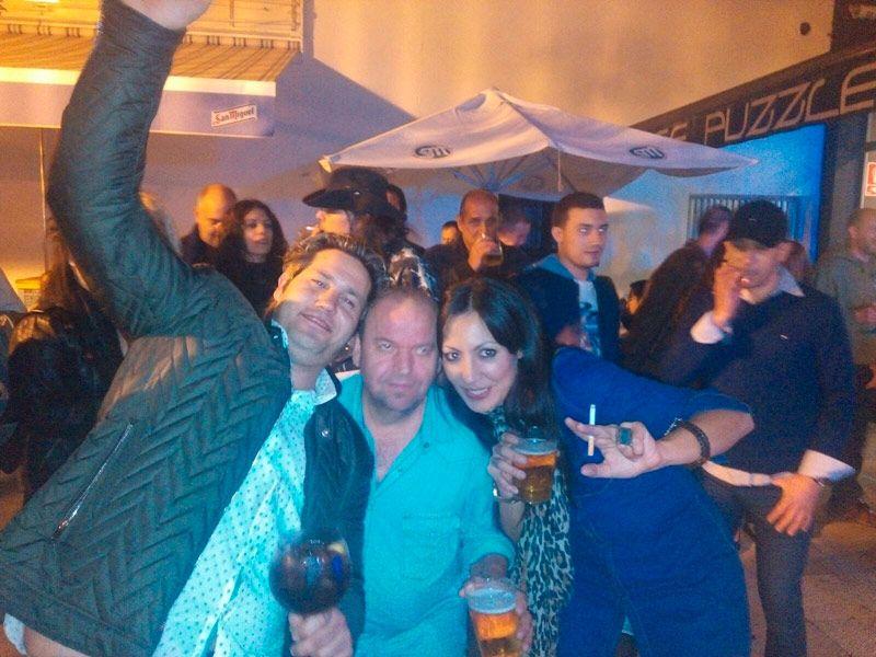 La gente, muy animada y disfrutando del concierto