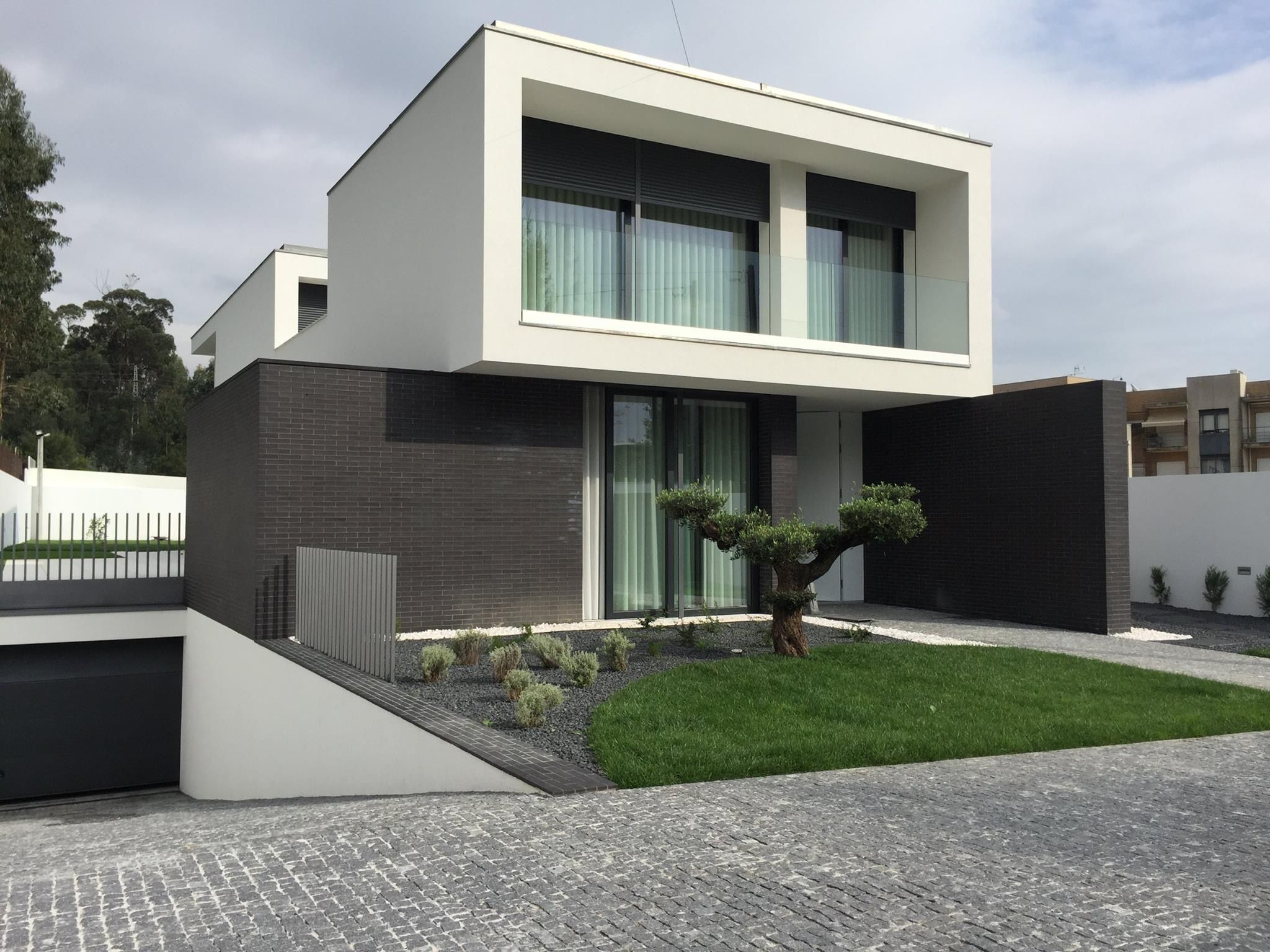 Sensacional cuadrada y minimalista pinterest Decoracion de casas contemporaneas