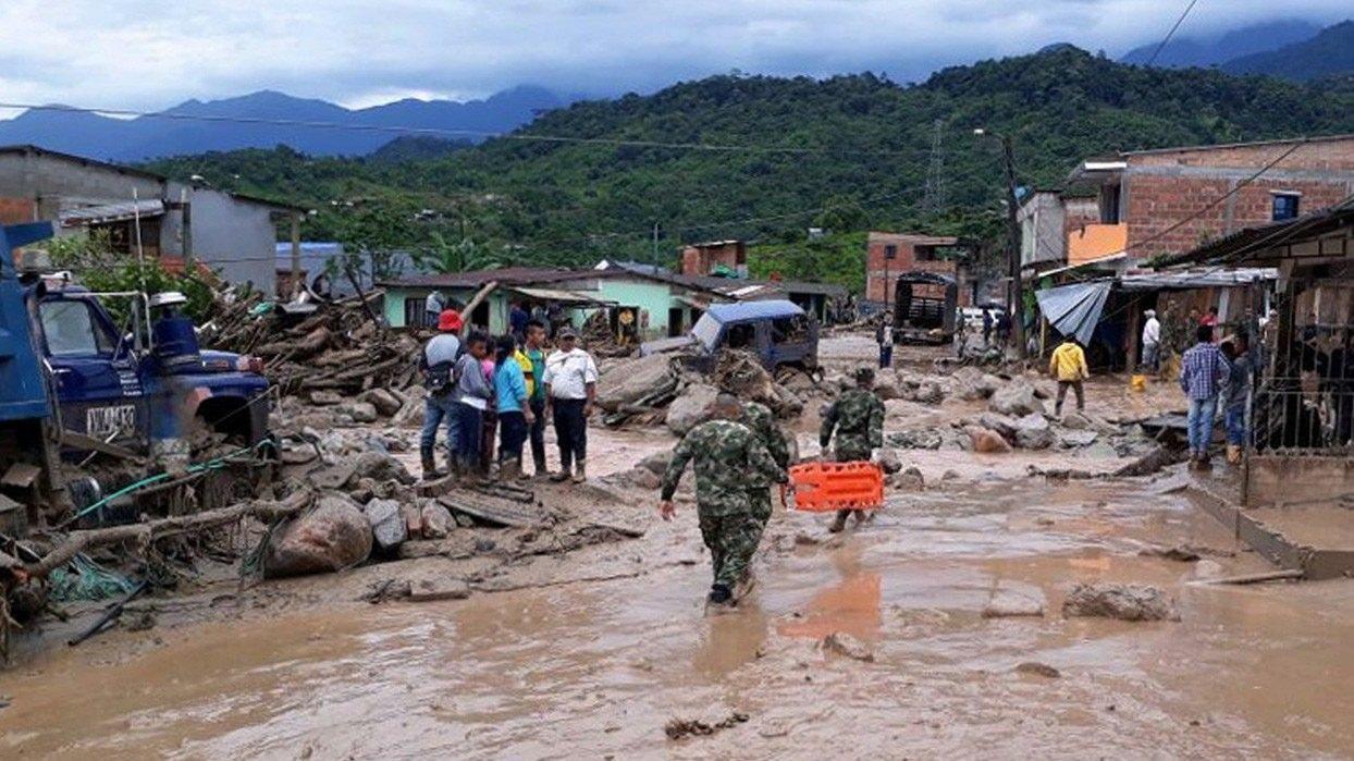 154 personer er fundet omkommet efter et jordskred i Colombia. Flere hundrede familier savnes.