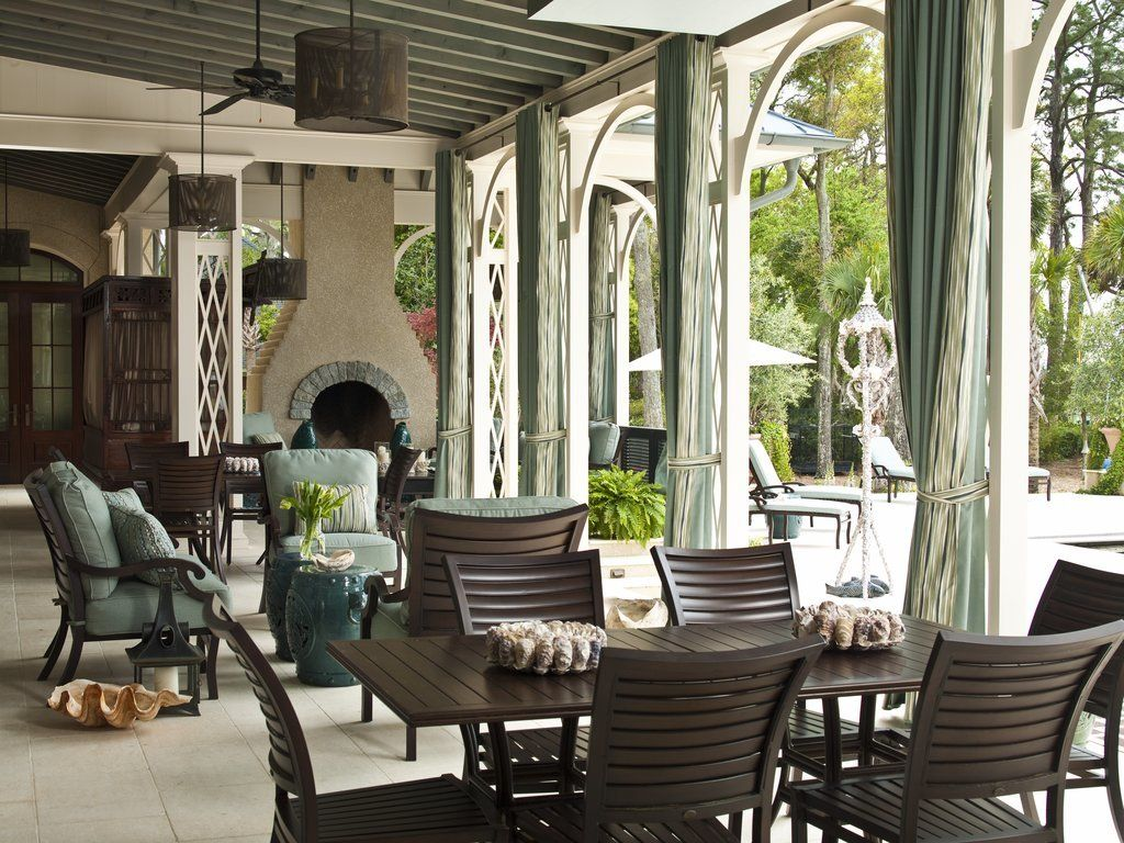This Former Food Network Star S Savannah Estate Is Straight Out Of Gone With The Wind Riverside House Celebrity Houses Outdoor Space Design